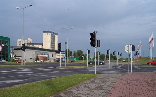 Crossroads with 16 traffic lights