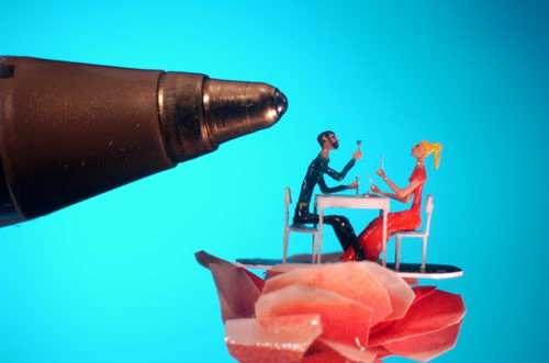 micro sculpture valentine day