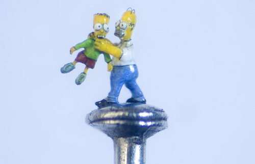 micro sculpture simpsons homer bart