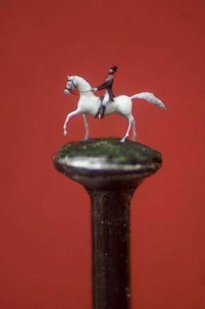 micro sculpture horse