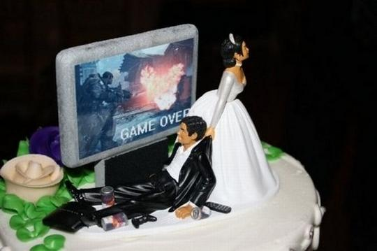 Normal wedding cakes are boring. Check this hilarious wedding cakes!